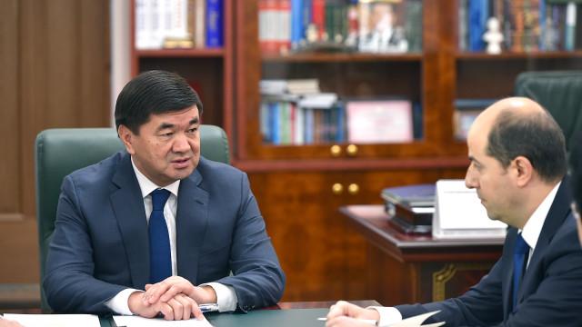 Премьер-министр Мухаммедкалый Абылгазиев ЭВФ туруктуу өкүлү Тигран Погосян менен жолугушту
