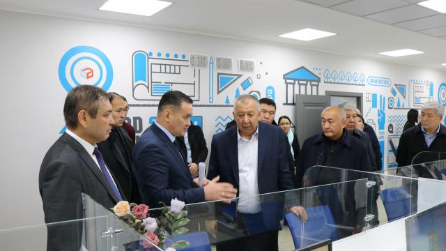 Биринчи вице-премьер-министр Кубатбек Боронов: Инженердик жана техникалык кызматтар cааттын механизми сыяктуу иштеш керек