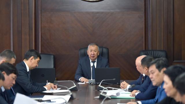 Биринчи вице-премьер-министр Кубатбек Боронов: Бишкектеги конуштардын бардыгы газ менен камсыздалышы керек