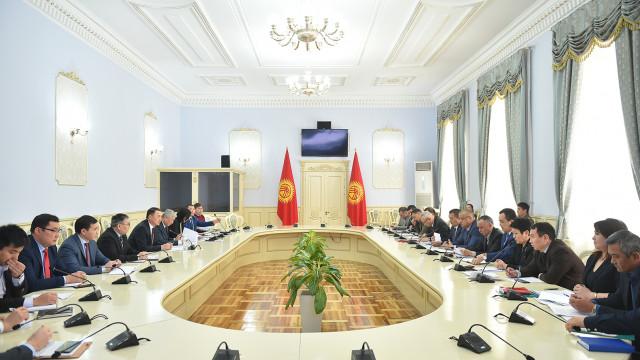 Вице-премьер-министр Замирбек Аскаров: Биз ЕАЭБ өлкөлөрүнөн такталбаган товарларды ташууну жоюу үчүн бардык күч-аракеттерди жумшайбыз