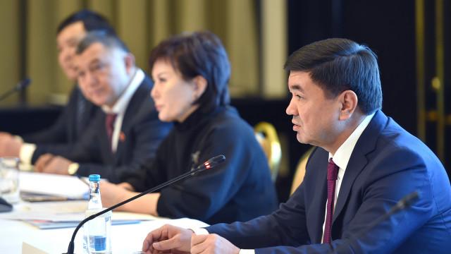 Премьер-министр Мухаммедкалый Абылгазиев: Бизнес менен бийликтин ортосундагы ачык жана ак ниеттүүлүк менен сүйлөшүү – ийгиликтин кепилдиги