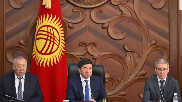 Премьер-министр Мухаммедкалый Абылгазиев: Инвесторго ишенбөөчүлүк – бул негизинен мурдагылардын каталарынын кесепети: коррупция жана улуттук кызыкчылыктарга кыянаттык кылуу