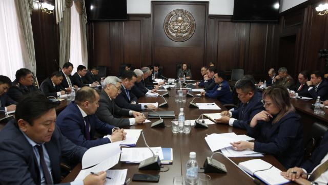 Кыргыз Республикасынын Өкмөтүндө коронавирустун жайылышына жол бербөө боюнча штабдын кезектеги жыйыны болду