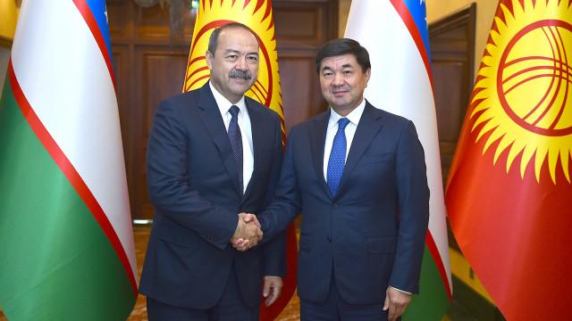Премьер-министр Мухаммедкалый Абылгазиев Өзбекстандын Өкмөт башчысы Абдулла Арипов менен телефон аркылуу сүйлөштү
