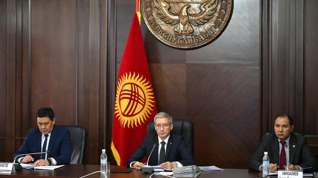 Вице-премьер-министр Эркин Асрандиев: COVID-19 менен күрөшүү өз ара соода жүгүртүүгө тоскоол болбошу керек