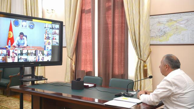 Премьер-министр Кубатбек Боронов Россиядан келген дарыгерлер менен эпидемияга каршы күрөшүү чараларын жана сунуштарды талкуулады
