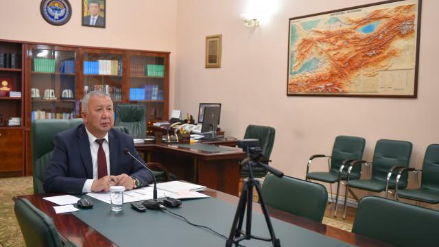 Премьер-министр Кубатбек Боронов: Бишкектин дарыгерлер тобу Баткен, Ош жана Жалал-Абад облустарындагы эпидемиологиялык кырдаалды иликтейт