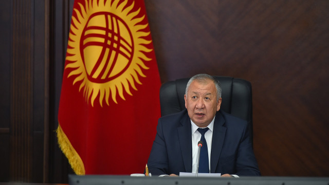 Премьер-министр Кубатбек Боронов: Күз-кыш мезгилинде калк жылуулук жана жарык менен үзгүлтүксүз негизде камсыз болуусу шарт