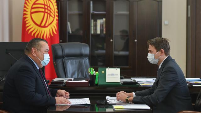 Премьер-министрдин м.а. Артем Новиков: Социалдык маанидеги азык-түлүктүн минималдуу баада калкка жеткиликтүүлүгүн камсыз кылуу маанилүү