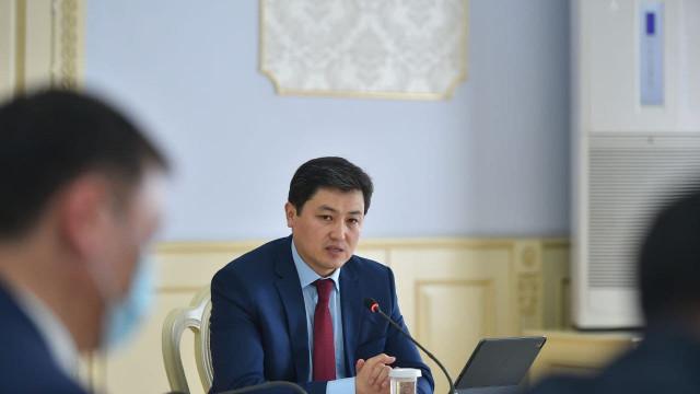 Премьер-министр Улукбек Марипов «COVIDсиз саякатта» долбоору алкагында ишти күчтөндүрүүнү тапшырды