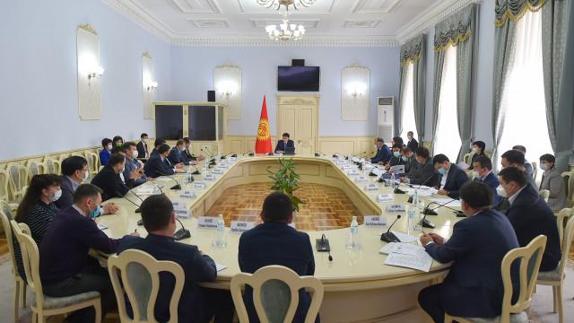 Премьер-министр Улукбек Марипов: Биз ата мекендик текстилдик индустрия өнүгүп, чет элдик рынокторду багындыруусуна кызыкдарбыз