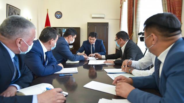 Министрлер Кабинетинин Төрагасы Улукбек Марипов: Сугат сууга тийиштүү абал оор. Аны ыкчам чечүү маанилүү