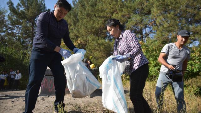 Улукбек Марипов Дүйнөлүк тазалык күнүнүн алкагында ишембиликке катышты