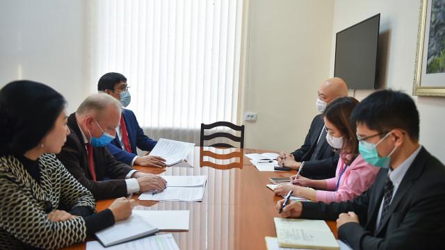 Эдил Байсалов: Жаңы Министрлер Кабинети жогорку квалификациялуу адистерди ишке тартат